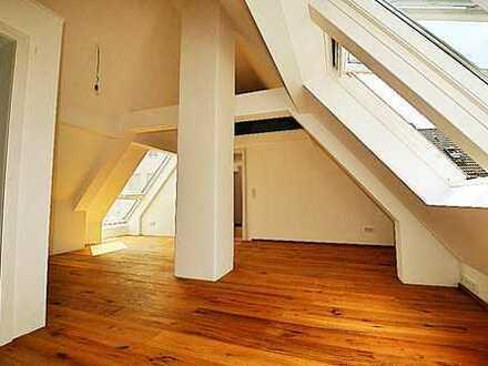 Exklusive 2-Zimmer-DG-Wohnung in Frankfurt