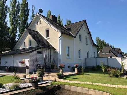 Doppelhaushälfte mit großem Grundstück in guter Lage von Essen
