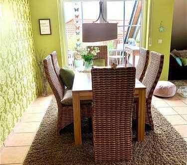 Schöne 3-Zimmer DG mit EBK und Balkon