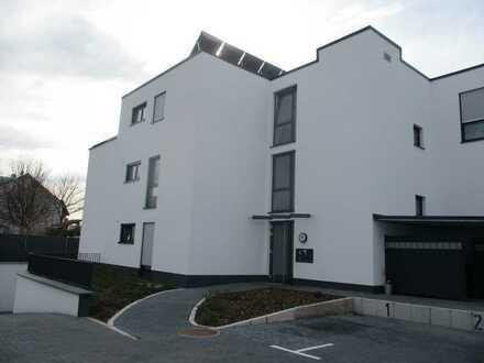 Barrierefrei: Neue, große 3-Zimmer-Wohnung mit West-Balkon