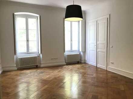 Hochwertige 5 Zimmerwohnung mit Balkon ++HD - Altstadt++