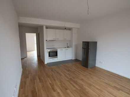 Zentral mit guter Anbindung! - Wohnung im Neubaustandard mit EBK und Balkon zu vermieten!