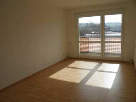 3-Raum-Wohnung mit Balkon und traumhaftem Blick in die Natur zu vermieten