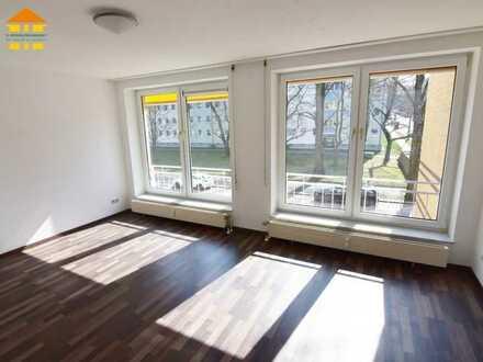Gemütliches Single-Appartement mit offener Pantry-Küche und Aufzug!