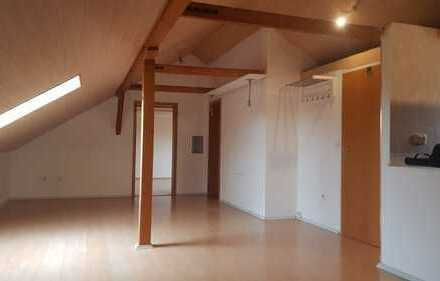 Gepflegte 3-Zimmer-DG-Wohnung mit EBK in Albstadt