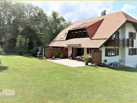 Traumhaftes Dreifamilienhaus in Waldrandlage in bester Ausstattung und Herstellungsqualität