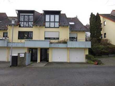 +++Gepflegte 2 Zimmer-Dachgeschoss-Wohnung in schöner Lage+++
