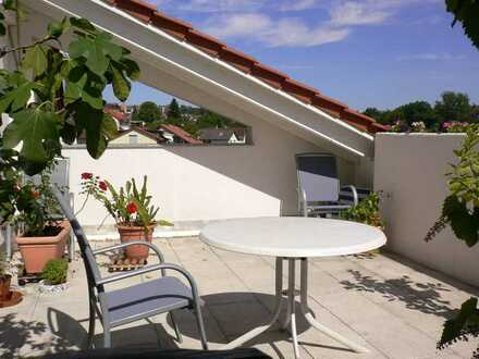Sonnendurchflutete 3,5-Zimmer-Maisonette-Wohnung mit Dachterrasse und EBK in Waldbronn