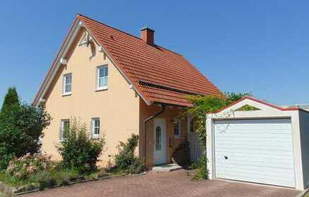 Traumhaftes Einfamilienhaus mit Blick auf die Veste, Garten, 2 Garagen, Einbauküche, Kamin