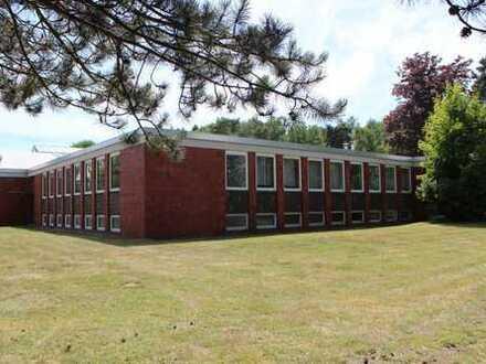 Verwaltungsgebäude mit Schulungs-u. Büroräumen