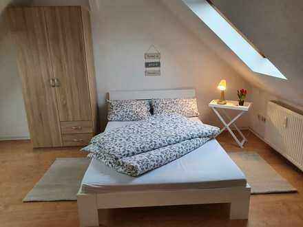 Schöne 1,5 Zimmer Wohnung, vollmöbliert, direkt am Gutenbergplatz