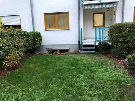 Neu renovierte 3 ZKB Maisonette Wohnung mit eigenem Garten