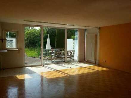 Schönes, geräumiges Haus mit vier Zimmern/Küche/Bad/Keller in Kaufbeuren, Kronenberg