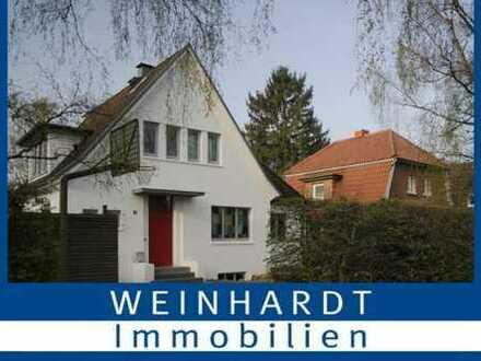 Einfamilienhaus mit Baugrundstück in Hamburg-Volksdorf