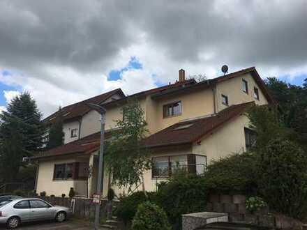 Gepflegte 4-Zimmer-Maisonette-Wohnung mit Balkon in Elztal-Neckarburken