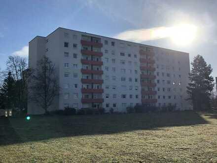 Gehobene 2,5-Zimmer-Hochparterre-Wohnung mit Balkon in Freiburg im Breisgau