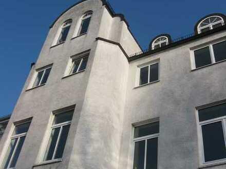 Mitten im Viertel - 2 Zimmer-Wohnung mit Wintergarten