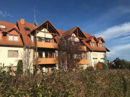 Traumhafte 5 Zi. Maisonette Wohnung (DG) mit Balkon
