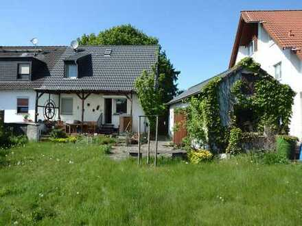 Familienfreundliche Doppelhaushälfte in Duisburg Baerl