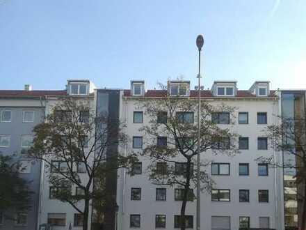 Renovierte 3-Zimmer Wohnung in zentraler Wohnlage (teilmöbiliert)
