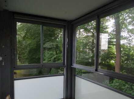 Erstbezug nach Sanierung: freundliche 3,5-Zimmer-Wohnung mit Einbauküche und Balkon in Augsburg