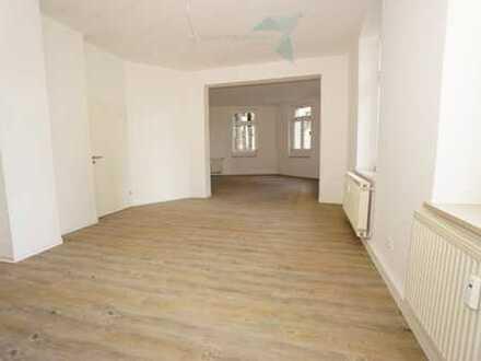 NEU sanierte 4-Raum-Wohnung - Hochparterre