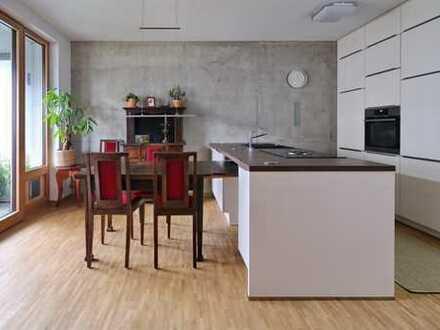 Neu und modern - mit Persönlichkeit! 3-Zimmer-Wohnung mit Aufzug, Loggia und Einbauküche