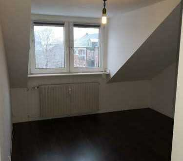 38-qm Gemütlichkeit! DG-Wohnung in TOP Wohnlage am Kaiserberg ggü. Uni