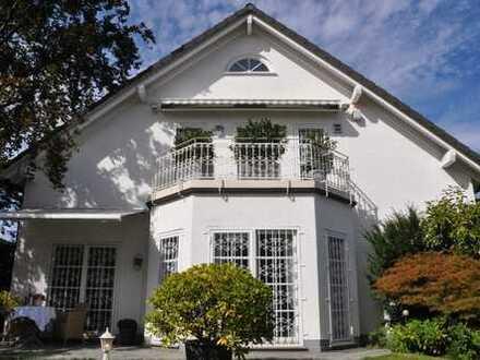 Freistehendes Einfamilienhaus mit großem Garten, Frankfurt Sachsenhausen Süd
