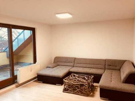 Sehr schöne 2-Zimmerwohnung mit Loggia, 2018 komplett Renoviert und neu Möbliert