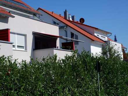 Exlusive 4 Zimmer Wohnung im 1.OG mit hochwertiger EBK, Balkon sowie TG-Platz in 71155 Altdorf