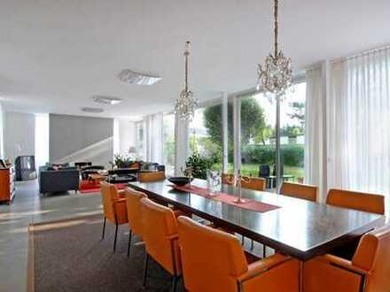 Reserviert! Stilvoller Bungalow, modern und hell mit traumhaftem Garten