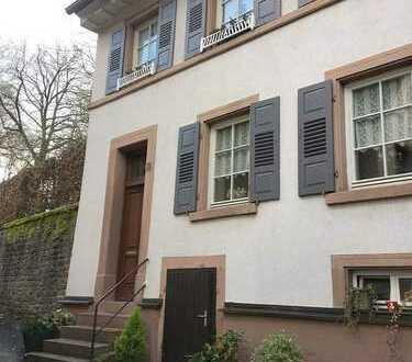 Charmante 2,5-Zi.-Dachwohnung im Herzen von Neckargemünd