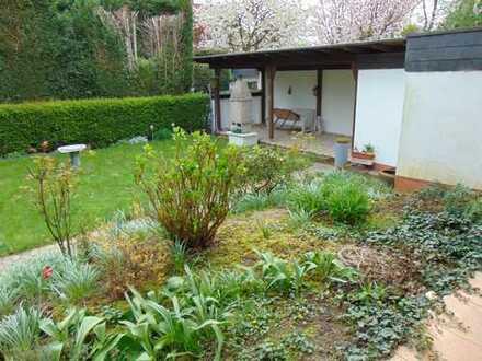 Schönes Wohnen im Grünen mit Terrasse und Garten
