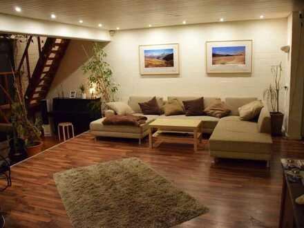 Moderne Zwei-Etagen Wohnung mit Garten in gepflegtem Wohnhaus!