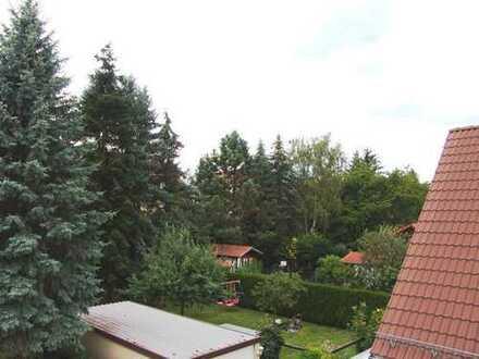 Erstbezug nach Komplettsanierung! Bezugsfrei ab sofort! 4-Zimmer-Wohnung mit Balkon in grüner Lag...