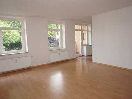 1.Zi.-Whg. imit Balkon / Bad mit Dusche / Laminat !