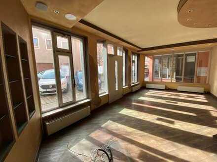 Ladenlokal/Gewerberäume in Bestlage von Traunstein Nähe Stadtplatz