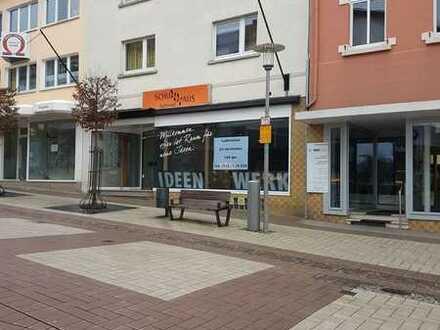 Ladenlokal mitten in der Fußgängerzone - viele Möglichkeit - sofort bezugsfrei