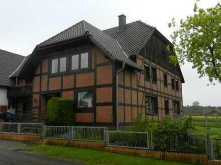 Günstige, sanierte 2-Zimmer-Wohnung mit Balkon und Einbauküche in Aerzen