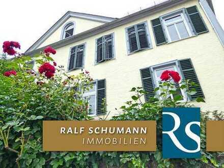 Besondere & geschmackvolle 2-ZI-Hochparterre-Wohnung mit schönem, idyllischen Terrassenbereich