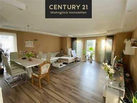 Attraktive 3-Zimmer-Erdgeschosswohnung mit zwei Terrassen + Garten