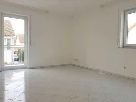 ++Neu++ **Lichtdurchflutete 3 Zimmerwohnung mit Fußbodenheizung und zwei Balkonen**