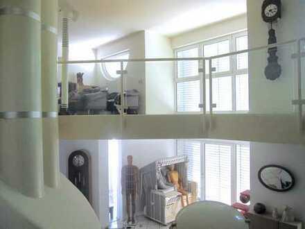 Interessante Stadtvilla mit viel Platz für Familie, Freizeit und Beruf! Viele weitere Details + ELW