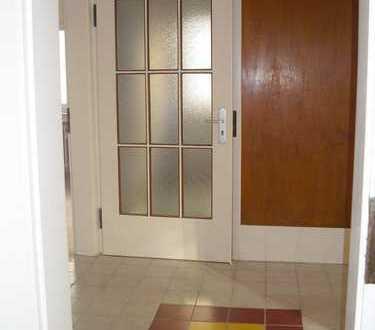 Schöne helle Wohnung mit viel Platz, nur Telefon 06092/5460
