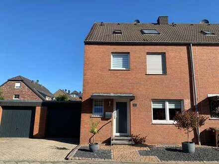Schönes Haus mit fünf Zimmern in Mönchengladbach, Dorthausen
