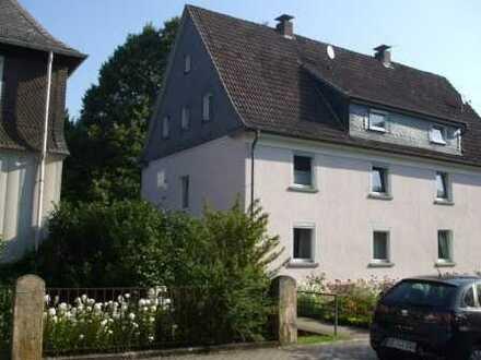 gemütliche und komplett modernisierte Dachgeschosswohnung in guter, zentraler Lage von Altenhundem