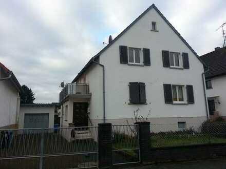 Modernisierte 2-Zimmer-Wohnung mit Küche, Bad und Balkon und EBK in Eppertshausen