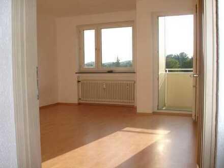 Gepflegte 3-Zimmer-Wohnung mit Balkon und EBK in Neuburg an der Donau