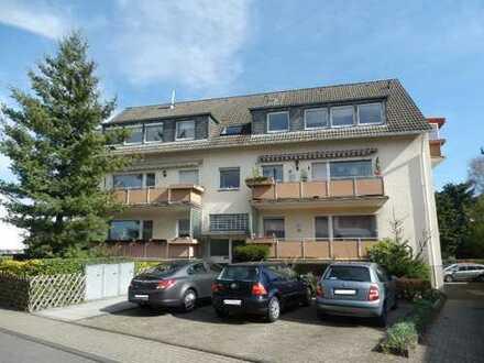 Verkaufsstart in Bürrig: Gemütliche 4-Zimmer-Dachgeschosswohnung mit Balkon und Garage